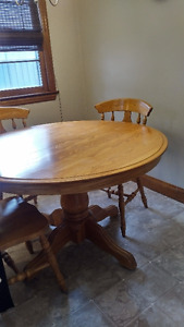 Solid Oak table, chairs and leaf