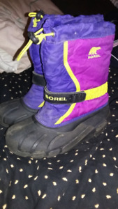 Girls sorel winter boots great condition