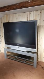 """Base de télé et téléviseur 61"""" Samsung - AUBAINE !"""