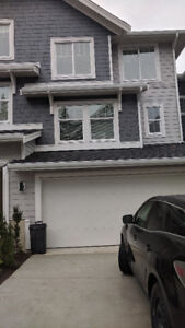 * Short Term Rental (6-month) - New Townhouse in South Surrey *
