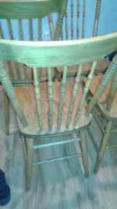 4 chairs antique  Cornwall Ontario image 2