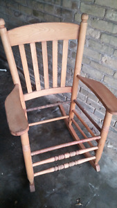 Old Chair. 5193196946