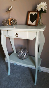 Beautiful freshly refinished accent table