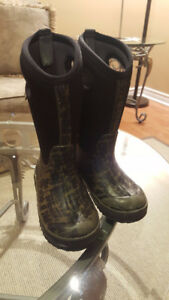 Bogs Winter boots size 11 US, 27 Euro