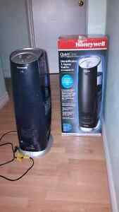 Honeywell Quiet Care 3G Tower Humidifier - w/ box