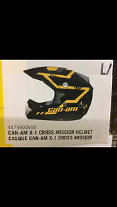 Brand new Can am helmet and goggles