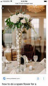 Tall Trumpet Lily Vase great for weddings