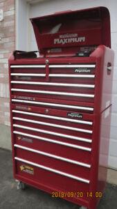 coffre a outil base +tete MAXIMUM 38 pouces 12 tiroirs +powerbar