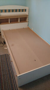 Twin captains bed with storage drawers and headboard Peterborough Peterborough Area image 1