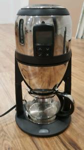 Fine T tea brewer machine