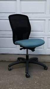 Used Teknion Synchro Steno Task Chairs Peterborough Peterborough Area image 1
