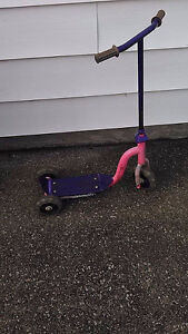 girls 3 wheeled scooter