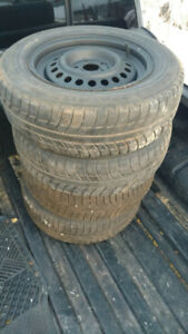 Set of Four P195/65R15 Michelin X Ice Winter Tires on Rims