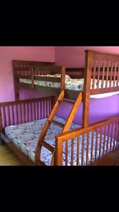 Solid bunk beds.... Great condition
