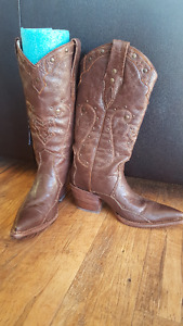 Beautiful Women's Leather Cowboy Boots
