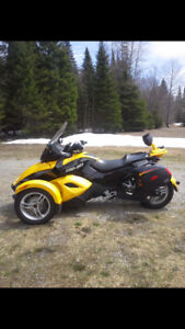 Can-Am Spyder 2009 semi-automatique 30000km