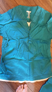 Beautiful blue scrubs, size M, worn once