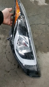Hyundai Elentra 14-16 right headlamp