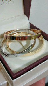 18k gold set of bracelets