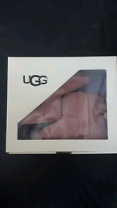 Brand new in box jesse bow toddler uggs