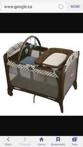 Graco Playpen Packnplay reversible napper and changer