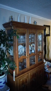 China cabinet (contents not incl.)