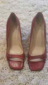 AUTHENTIC RED  COACH LEATHER HEELS SIZE 9 - classic, no wear