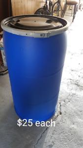 MEDIUM 35 gallon plastic barrels for small shipping/storage