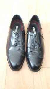 Florsheim black leather dress shoes size 10.5 lightly worn