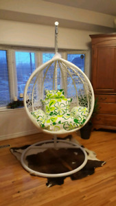 BRAND NEW HANGING BASKET CHAIRS