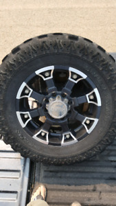 """20"""" Wheels for F250 / F350 with 37"""" Super Swampers"""