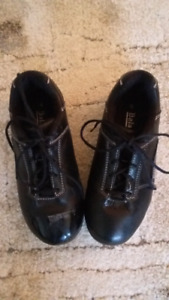 Size 6 Ladies Curling Shoes