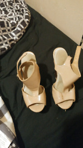 Size 5 high heels in great condition