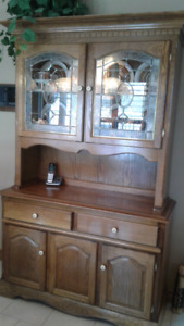 SOLID OAK TABLE, 4 CHAIRS, BUFFET WITH HUTCH