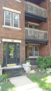 Available Now - 2 Bed Main floor Unit w/ Claw Tub