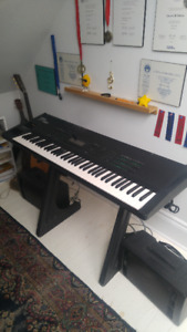 Selling Yamaha SY99 electric piano