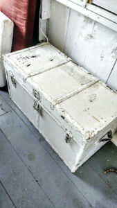 Whitewashed Antique-Style Travel Trunk Box and Table