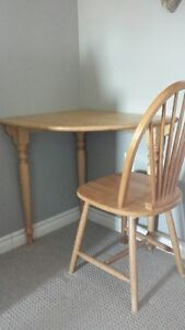 SOLID OAK CORNER TABLE AND CHAIR