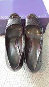 Enzo Angiolini Dark brown shoes London Ontario image 2