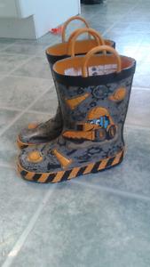 Boys boots size 10