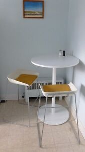 Steelcase Table & 3 Chairs