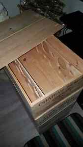 EMPTY WOOD WINE BOX ORIGINAL WITH COVER West Island Greater Montréal image 4