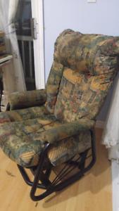 2 chaises berçantes