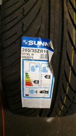 Sunny tyres 265/35/ZR18 New