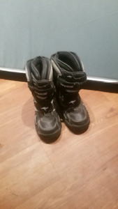 Winter boots size 7 barely used