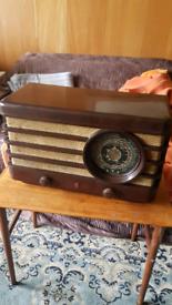 1938 Phillips Bakelite Radio Type 470A
