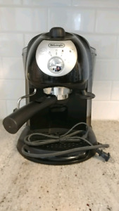 EUC DeLonghi BAR32 Espresso and Cappuccino Maker