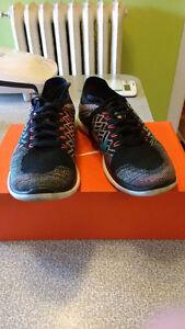 Like New Nike Free 4.0 Flyknit Size 8 Mens