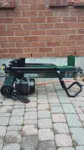 LOG SPLITTER BRAND NEW WITH 5 TONS CAN SPLIT BOTH ENDS Kawartha Lakes Peterborough Area image 1