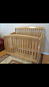 Convertible Crib excellent condition